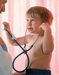 Picture of a toddler listening to his physician