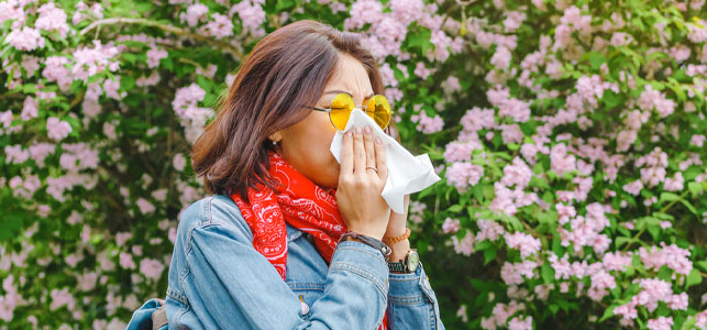 Are Your Symptoms From COVID-19 or Seasonal Allergies?
